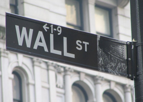 SEC Opens Inquiry into Wall Street Banks' Staff Digital Communications Over Privacy Concerns